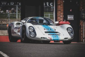 White and blue 1968 Porsche 910